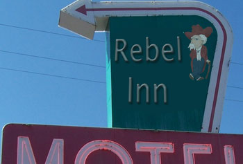 What gruesome discovery at this motel brought detectives to the scene?